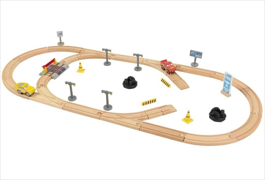 Circuit de course en bois Cars 3