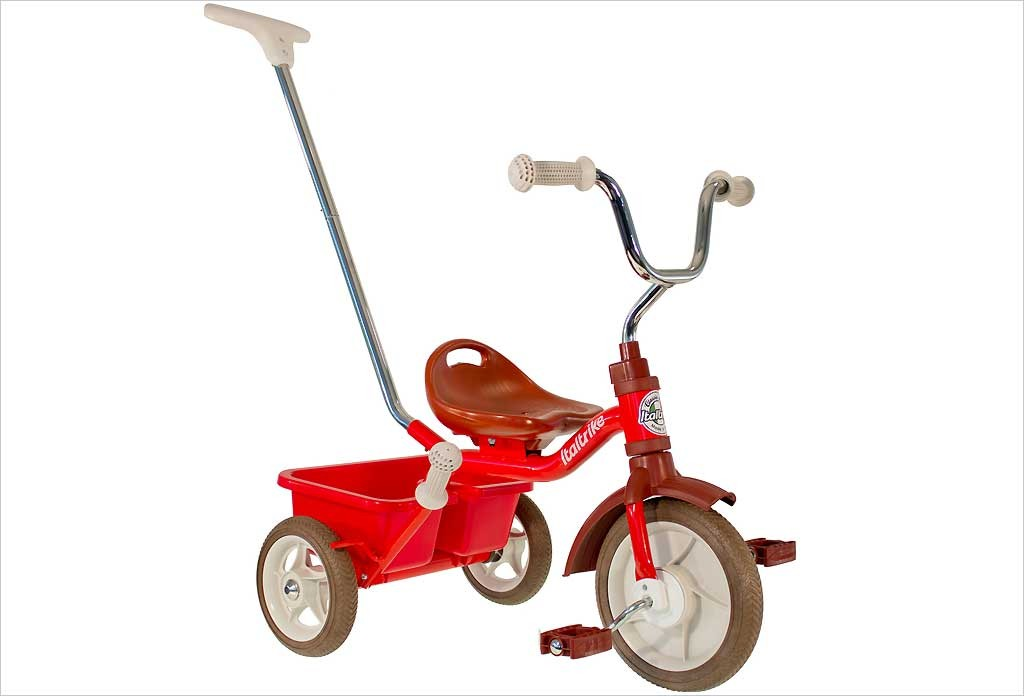 Tricycle rouge avec canne et benne